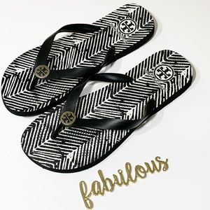 Tory Burch black&white stripped rubber flip flops